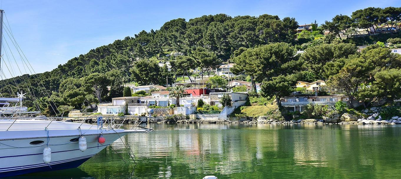 Panorama du port située à Istres dans les Bouches-du-Rhône