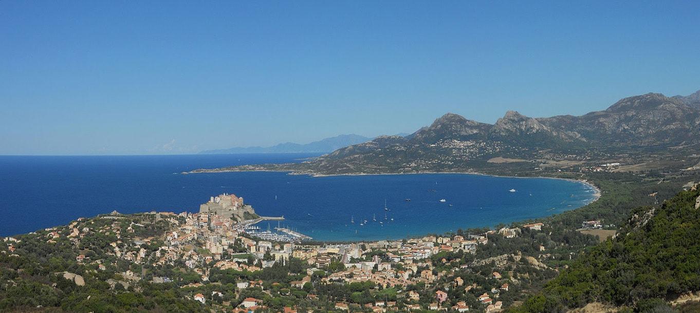 La résidence Allegria situé à Calvi en Corse